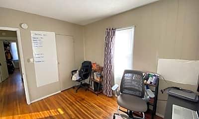 Bedroom, 423 6th St SE, 2