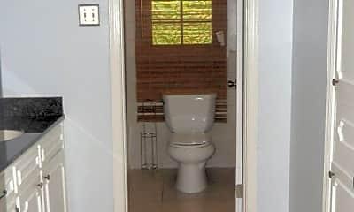 Bathroom, 4033 Savannah Dr, 2