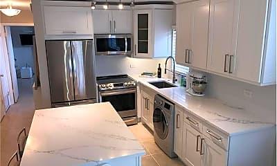 Kitchen, 3915 S Flagler Dr, 1