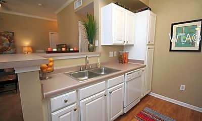 Kitchen, 1011 Wonder World Dr, 1