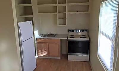 Kitchen, 1015 Hall Ave, 1