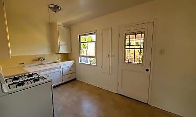 Living Room, 1032 W Glenoaks Blvd, 2