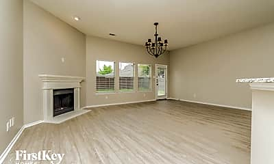 Living Room, 5116 Parkplace Dr, 1