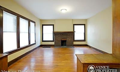 Living Room, 187 E Northwood Ave, 1