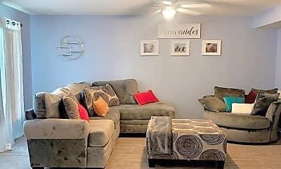 Living Room, 206 16th St C, 2