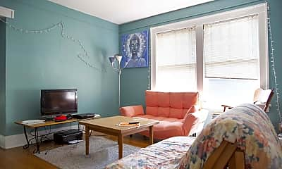 Living Room, 1008 S Busey Ave, 1
