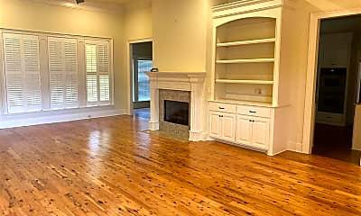 Living Room, 143 Sonnett Cir, 1