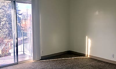 Living Room, 435 Warnock Ave S, 2