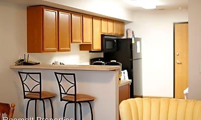 Kitchen, 923 Harlocke St, 2