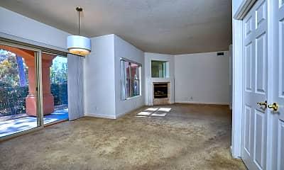Living Room, 335 Grenoble Rd, 1