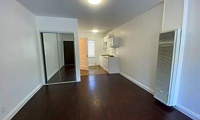 Living Room, 228 S Lake St, 0