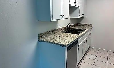 Kitchen, 1263 E Oak Ave, 1