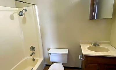 Bathroom, 1109 Central Ave, 2