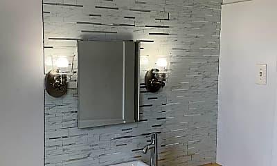 Bathroom, 726 Lorenz Ave, 0