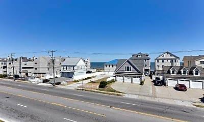 933 E Ocean View Ave, 1