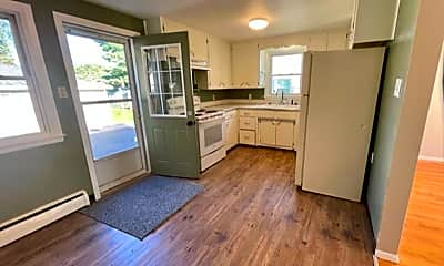 Kitchen, 720 Irvington St, 0