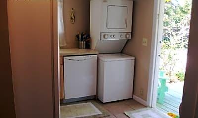 Living Room, 2561 Honey Rd, 2