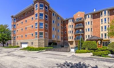 Building, 100 W Roosevelt Ave 409, 2