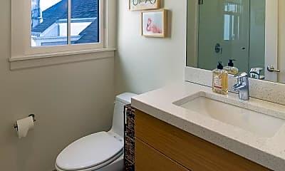 Bathroom, 2812 Washington St, 2