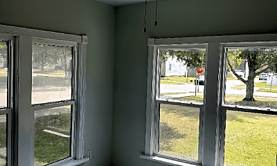 Bedroom, 422 E Detroit St, 2