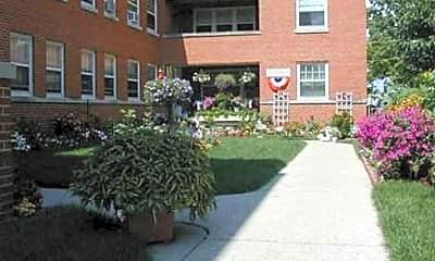 Becher Garden Apartments, 2