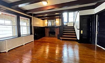 Living Room, 67 Washington St, 2