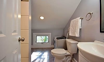 Bathroom, 131 Lander St, 2