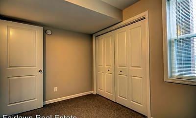 Living Room, 308 E Iowa St, 2
