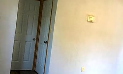 Bathroom, 800 N 6th St, 2