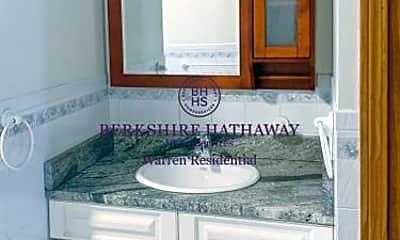 Bathroom, 683 Tremont St, 2