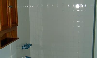 Bathroom, 907 N 7th St Apt A, 2