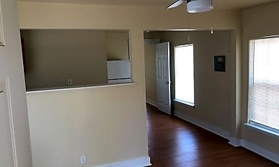 Living Room, 905 W Lynwood Ave, 0