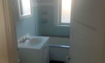 Bathroom, 710 N Bishop St, 2
