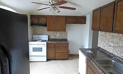Kitchen, 8241 Community Dr, 1