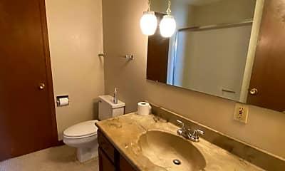Bathroom, 618 N 16th St, 2