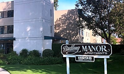 Budlong Manor, 0
