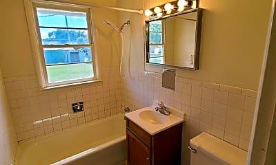 Bathroom, 823 W 14th St, 2