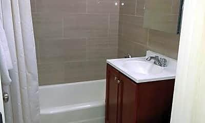 Bathroom, 100 Main St, 1