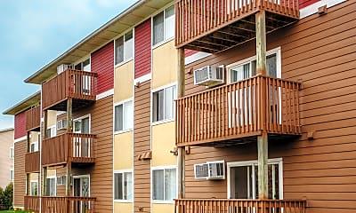 Building, Park Winds Apartments, 2