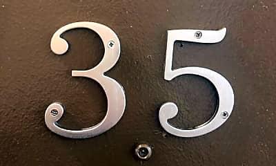 27 Hege Drive, Unit 35, 1