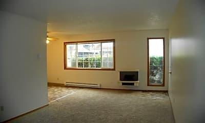 Living Room, 2213 NE 46th Ave, 1