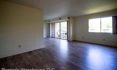 Living Room, 2910 Kings Chapel Rd, 0