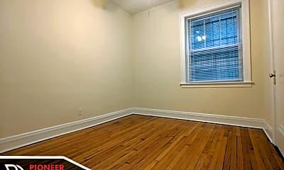 Bedroom, 4917 N Hermitage Ave, 2