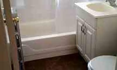 Bathroom, Linder At Lawrence Apartments, 2