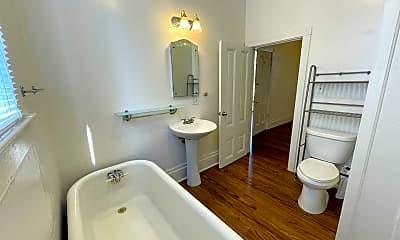 Bathroom, 515 Beaver St, 2