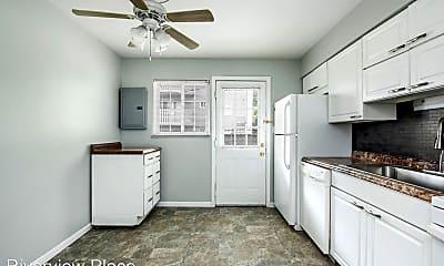 Kitchen, 810 Riverview Dr, 2