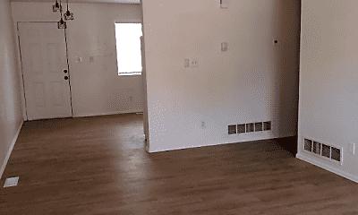 Living Room, 1015 E River St, 1