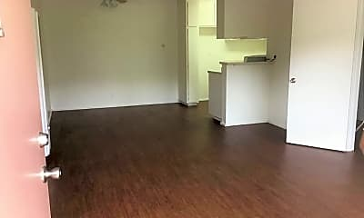 Living Room, 661 N Harbor Blvd, 1