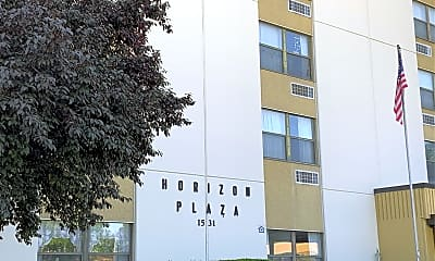 Horizon Plaza Apartments, 1