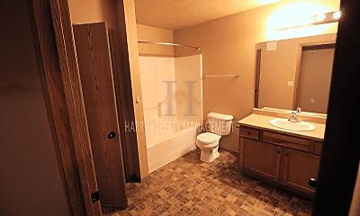 Bathroom, 4520 E 53rd St, 2